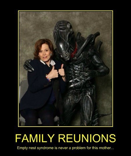 alien family portrait reunion sigourney weaver - 8357349632