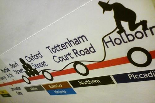 Advertising - e ndOuford Tottenham SteStreet Court Road Holborr uncaste Gate blee Bakerloo Northern Piccadi Victoria