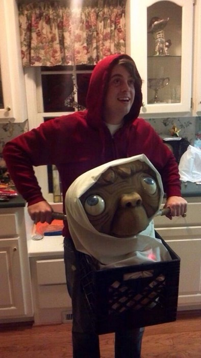 costume,E.T,poorly dressed,halloween