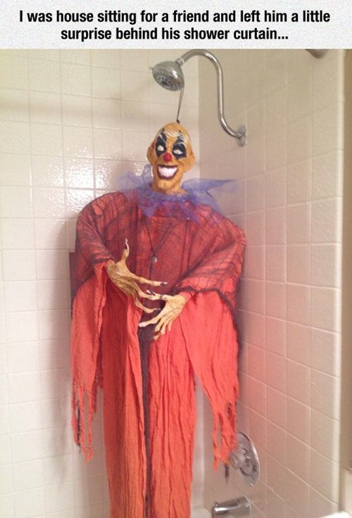 halloween shower scare pranks - 8362113536