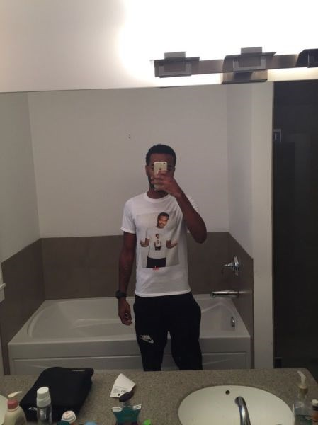 mirror pic Inception poorly dressed t shirts selfie