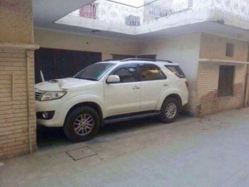 cars what parking - 8365622784