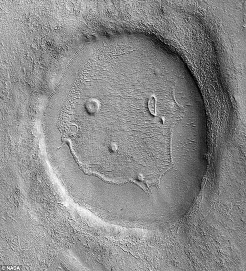 smiley face nasa Aliens mercury funny planet - 8367949824