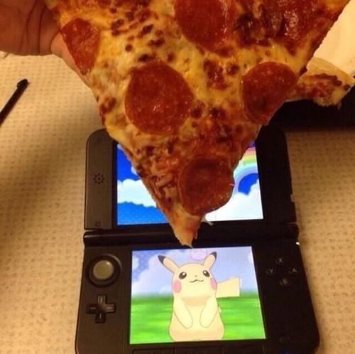 Pokémon taunting pikachu - 8394645760