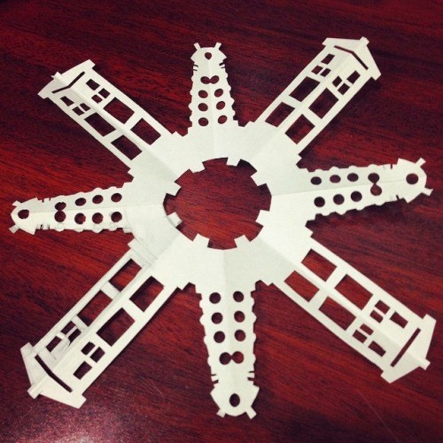 christmas snowflake tardis daleks - 8394869248