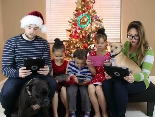 christmas,technology,family photo,parenting