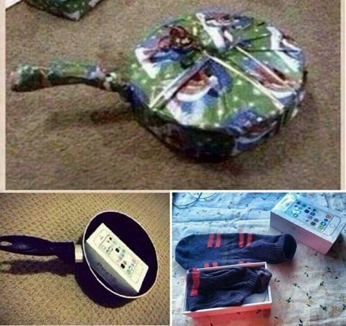 gifts christmas iPhones socks - 8399398400