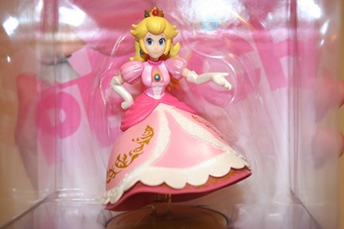 princess peach,amiibo,ebay,Video Game Coverage