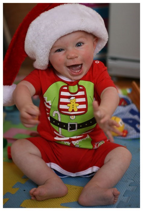 christmas,baby,cute,parenting,santa hat