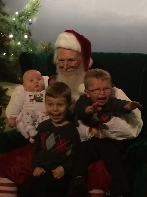 kids,siblings,expression,family photo,parenting,santa