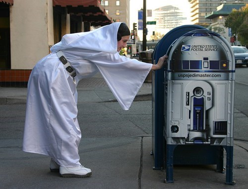 r2d2,cosplay,mail,Princess Leia