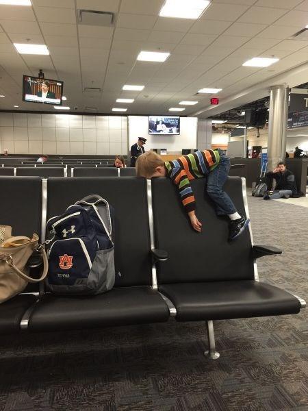 kids airport parenting - 8409527552