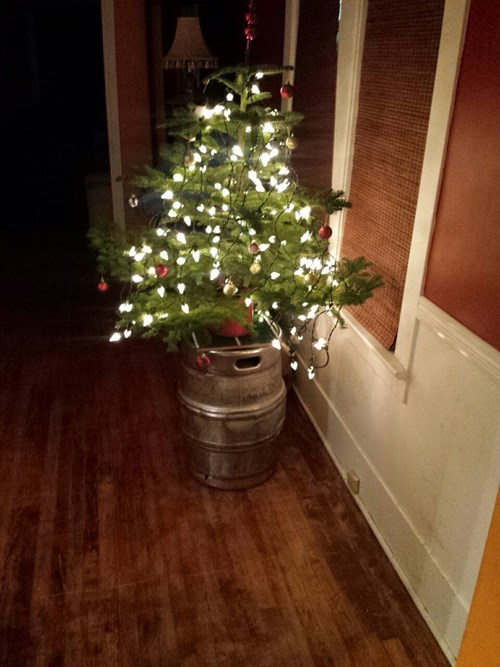 Use a keg as a christmas tree stand