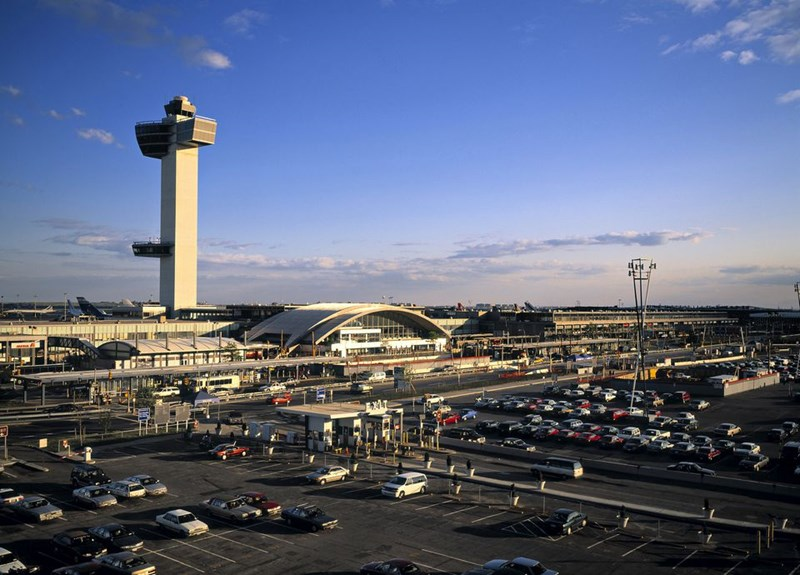 article about how to get to jfk international airport from new york city
