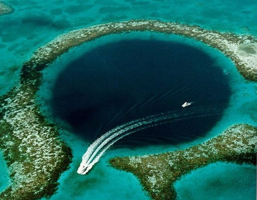The great blue hole offers insight to the collapse of the mayans