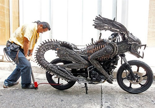 Aliens,xenomorph,awesome,motorcycle