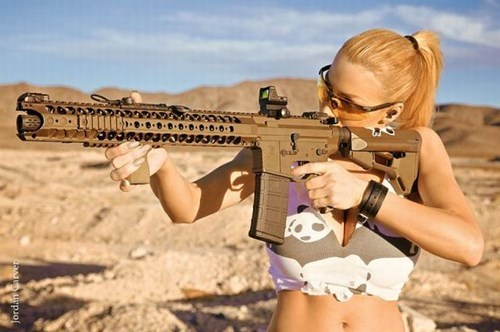 guns girls - 8421812736
