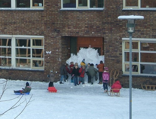 school kids snow teamwork parenting g rated - 8422508544