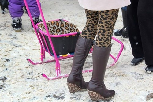 poorly dressed,snow,leopard print,boots,matching,leggings,winter