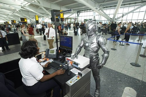 security airport cybermen - 8427614464