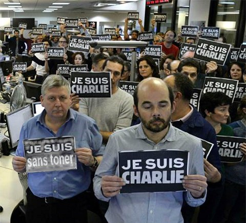Charlie Hebdo je suis charlie - 8428160256