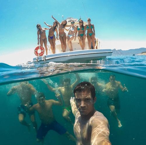 photography ocean selfie