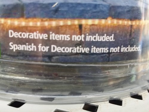 Product - Decorative items not included. Spanish for Decorative items not included