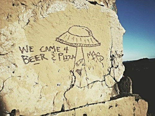 aliens want beer and pizza