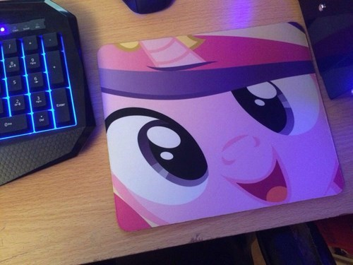 princess cadence she's watching you mousepad - 8438012416