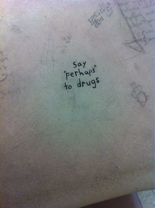 drugs graffiti - 8438496000