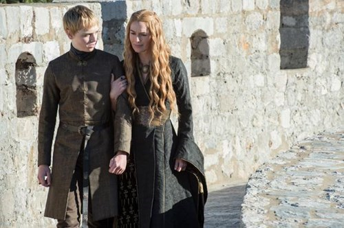 Tommen Baratheon and Cersei Lannister season 5