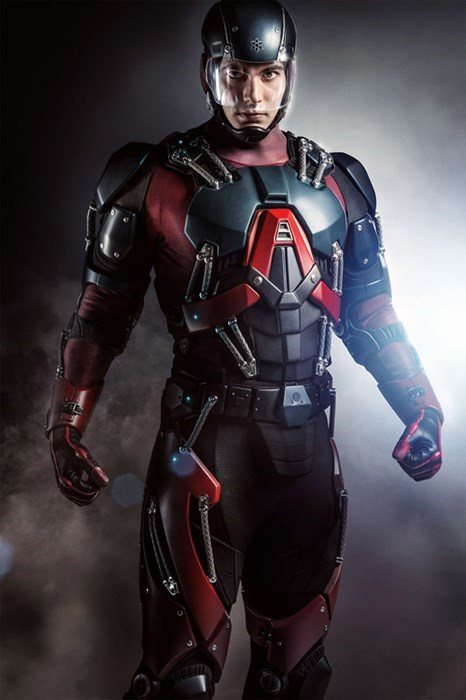 superheroes-atom-dc-brandon routh first look on arrow