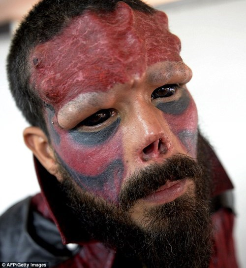 superheroes-red-skull-marvel-venezuelan-man-plastic-surgery-to-look-like-villain