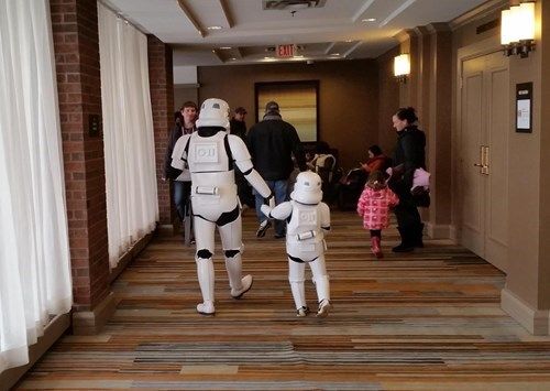 geeky-cosplay-kid-as-stormtrooper