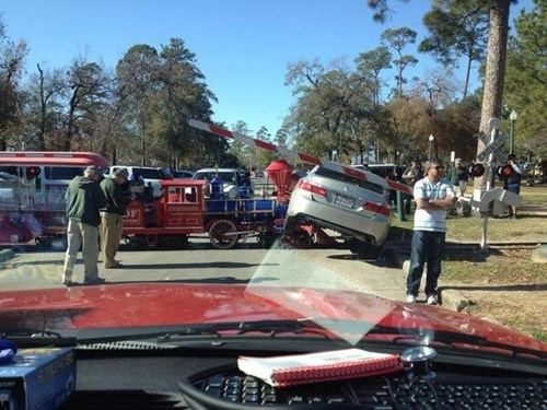 funny-fail-photo-train-crash-cars