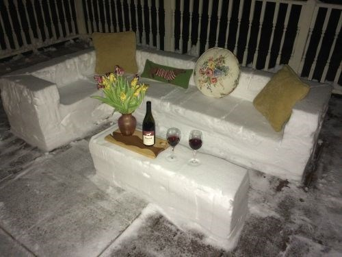 epic-win-pics-snow-furniture