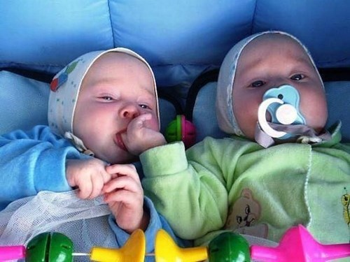 funny-parentingi-took-the-only-pacifier-you-can-use-this