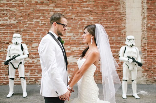 geeky-wedding-stormtrooper-wedding-photo