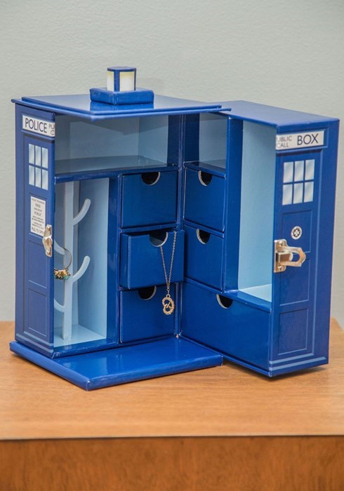 funny-doctor-who-tardis-jewelry-box