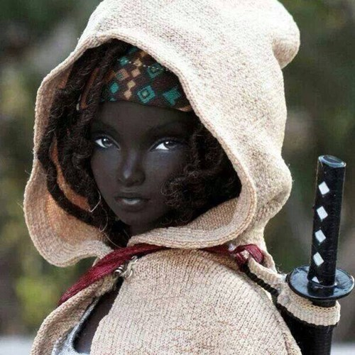 funny-walking-dead-michonne-barbie