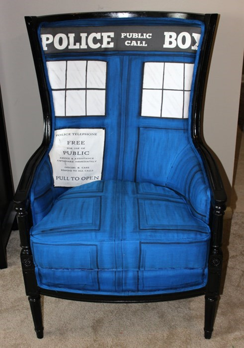 funny-doctor-who-tardis-chair-on-etsy