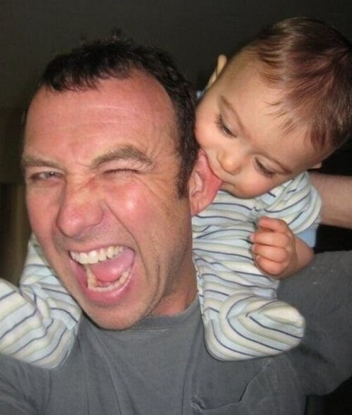 funny-parenting-dads-ear-is-delicious