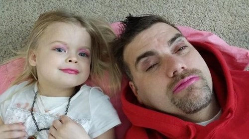 fashion-fail-funny-parenting-nothing-like-daddy-daughter-makeup-day