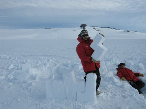 epic-win-pics-tetris-snow-antarctica