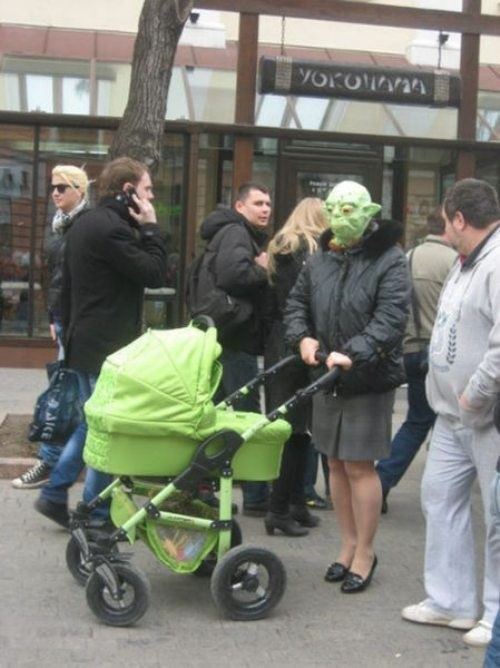 fashion-fail-parenting-priorities-make-sure-your-mask-matches-your-stroller