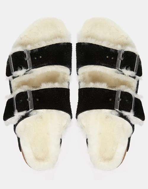 fashion-fail-fuzzy-sandals-because-weather-is-unpredictable
