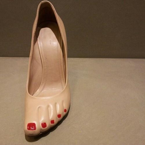 fashion-fail-love-heels-but-still-want-that-barefoot-look