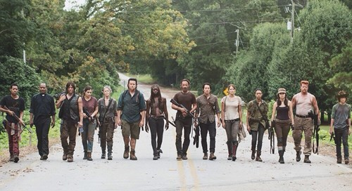 funny-walking-dead-judith-missing-from-slow-mo-walk-shot-bad-parents