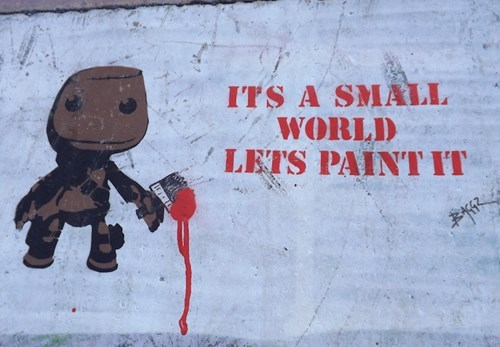 epic-win-pics-graffiti-sackboy-street-art