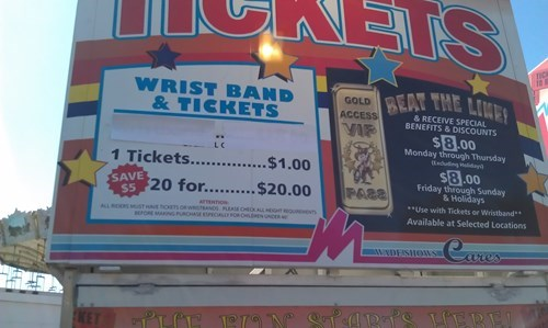 funny-sign-fails-math-county-fair